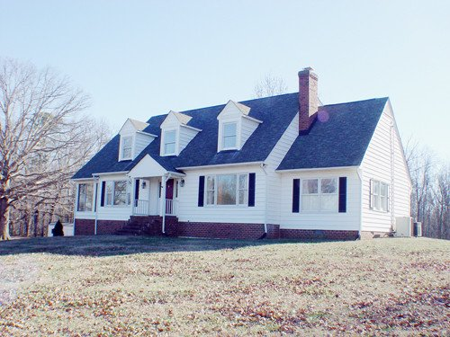 Single Family Home for Sale, ListingId:26581508, location: 2114 Huguenot Springs Midlothian 23113